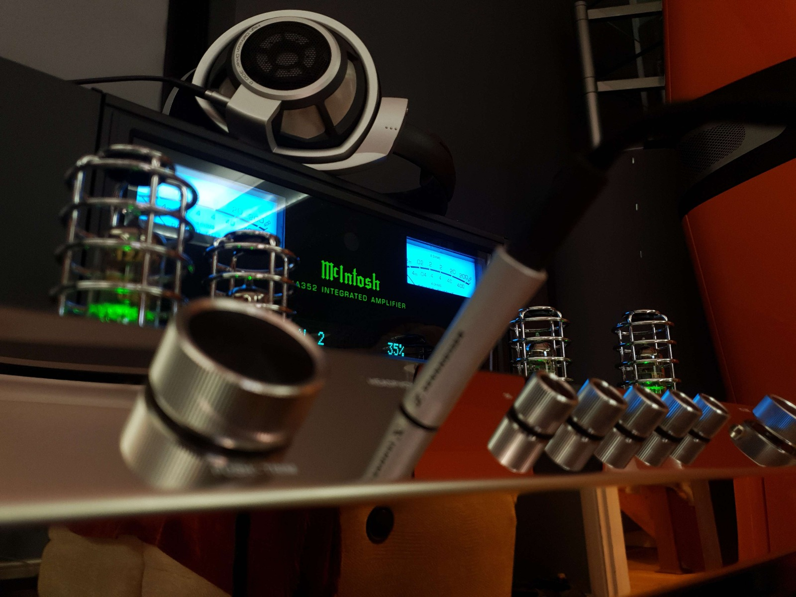 McIntosh MA352 with Headphones